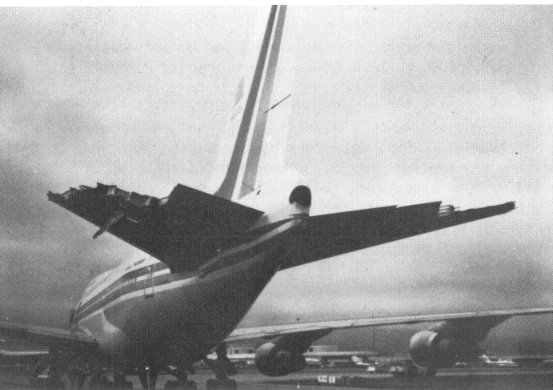 China Airlines 006 tail damage